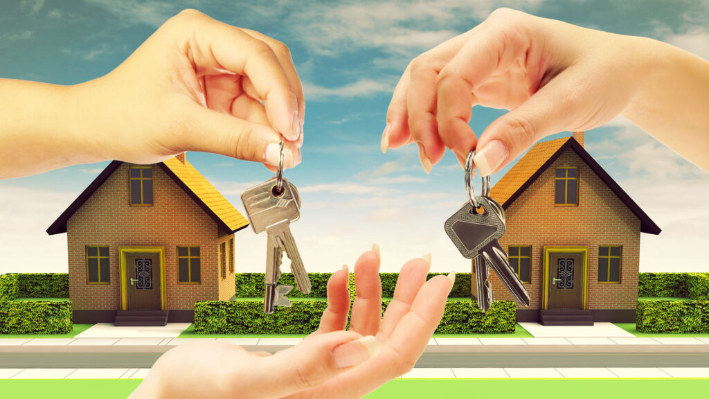 Продажа квартиры и выписка прописанных