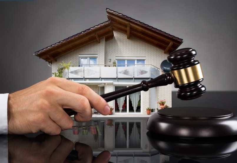 Как продать квартиру через аукцион: выгоды и риски для собственника недвижимости?